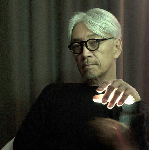 Musical magic with Mr Ryuichi Sakamoto wearing the Paques by Jacques Durand. Thank You!